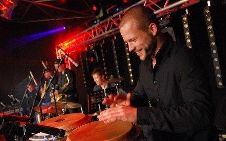 Percussionist Yannick | Artiest huren bij Swinging.nl