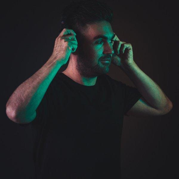 DJ Nik | Artiest huren bij Swinging.nl