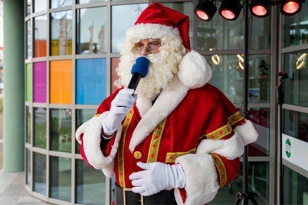 De zingende kerstman | Artiest huren bij Swinging.nl