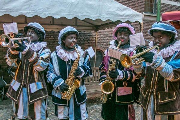 De Brass Pieten | Artiest huren bij Swinging.nl