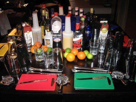 Cocktail workshop   Artiest huren bij Swinging.nl
