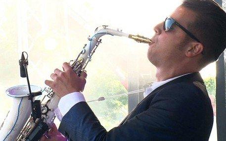 Saxofonist Boris | Artiest huren bij Swinging.nl