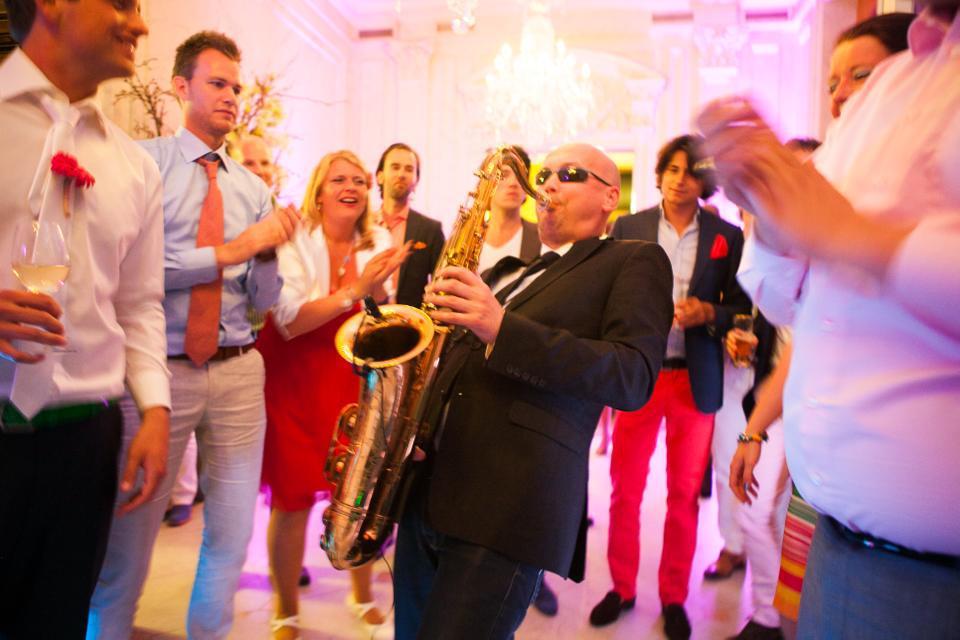 Saxofonist Franklin | Artiest huren bij Swinging.nl