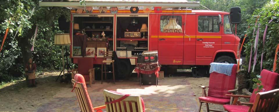 De platenbus   Artiest huren bij Swinging.nl