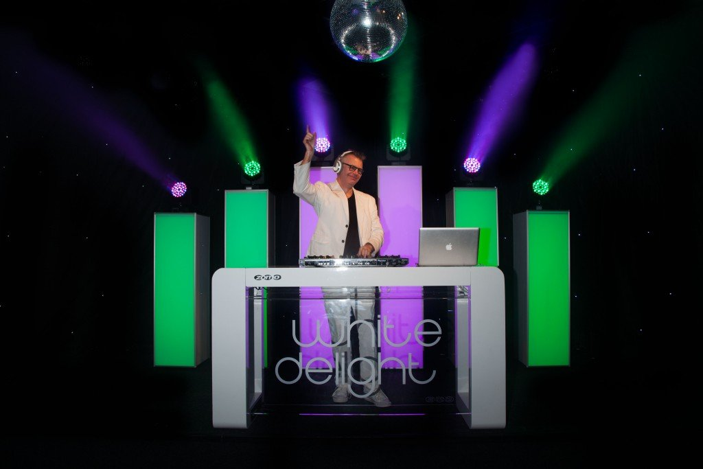 White Delight DJ show