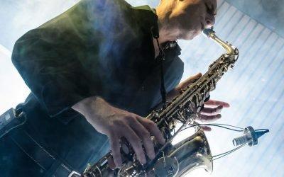 Saxofonist Arjan boeken | Swinging.nl