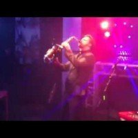 Saxofonist Pepijn met de Swinging DJ Show