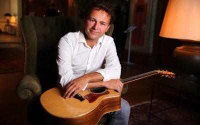 zanger en gitarist kelly veerman