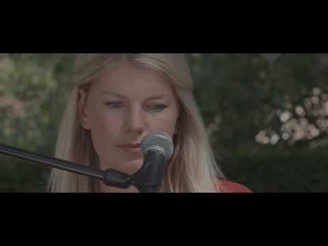 Paula Leek - Run