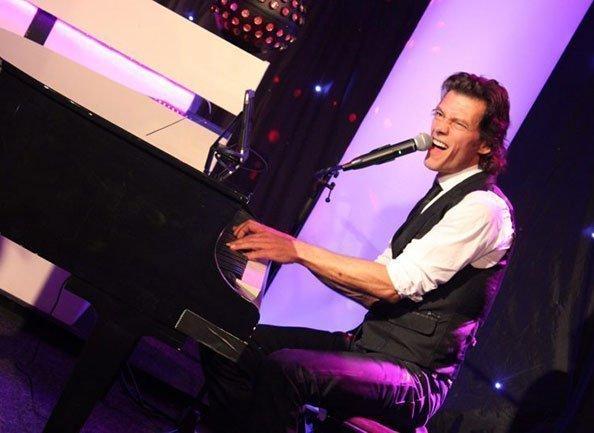 Piano Act Bruiloft Swinging piano show | Swinging.nl