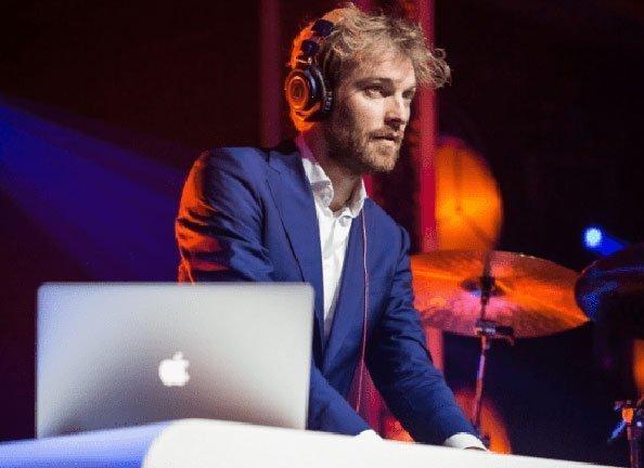 DJ Mr Smit lounge DJ | Swinging.nl