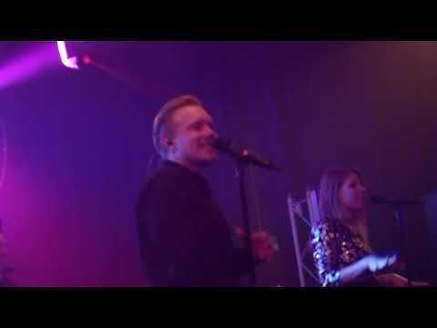 De Helden live - korte compilatie - gefilmd met telefoon