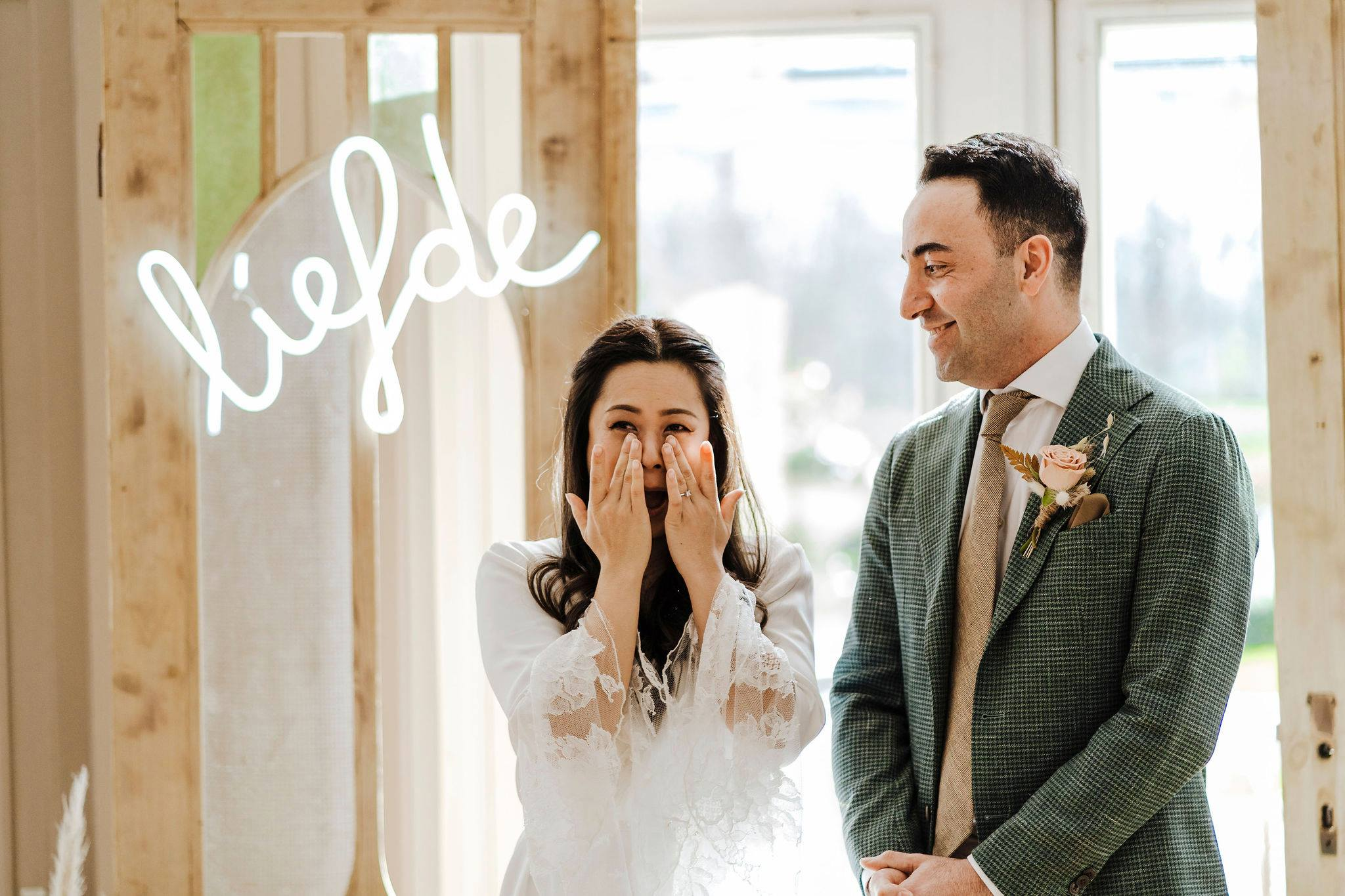 Tijdens trouwceremonie een lach en een traan