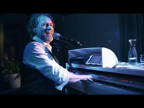 Swinging piano show met Lodewijk van der Linden solo