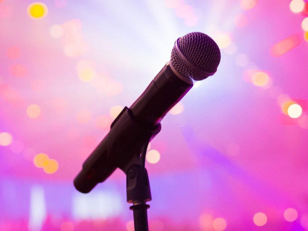 Waarom een zanger boeken altijd een goed idee is | Swinging.nl